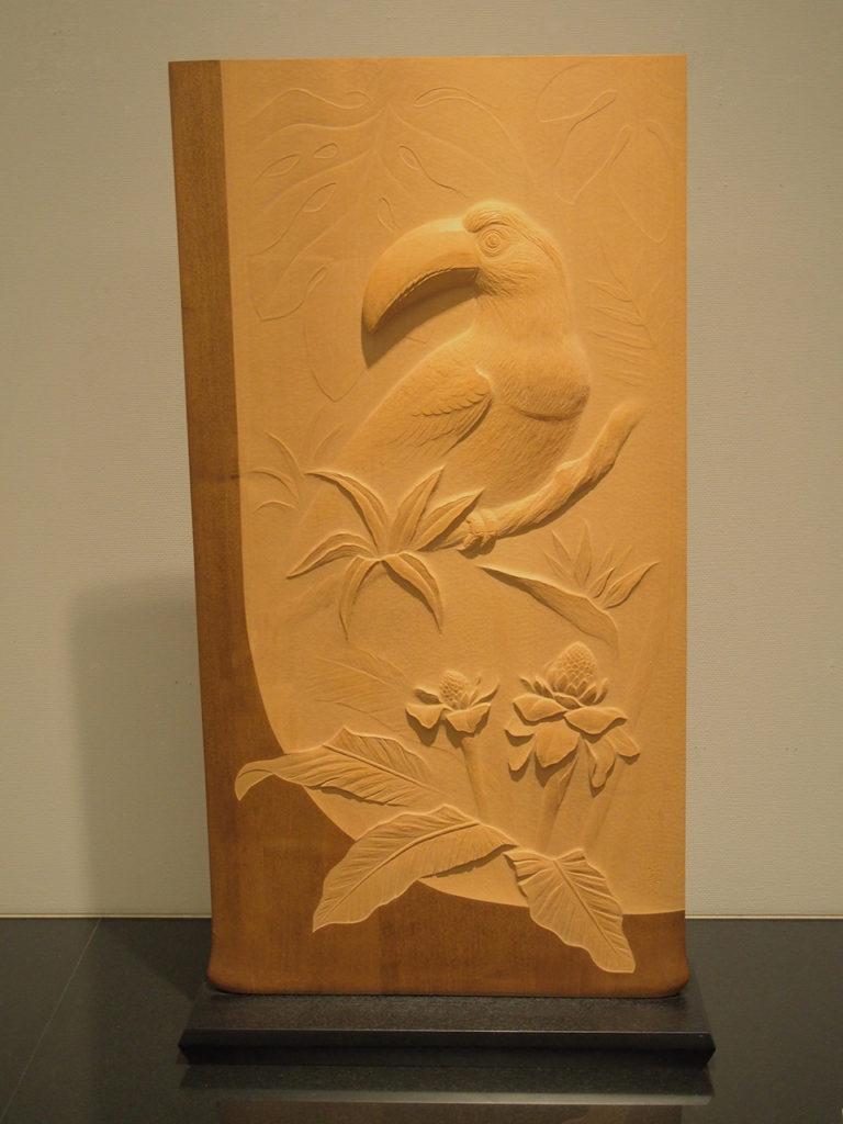 オーダーメイドの木彫インテリア「オオハシ」