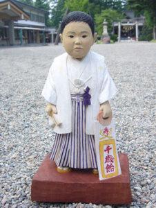 受注制作の木彫そっくり七五三人形