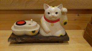 注文制作の木彫招き猫