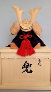 オーダーメイドの井波彫刻木彫り兜