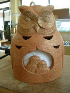 注文の木彫照明器具 フクロウ