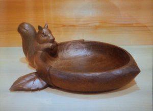井波彫刻オーダーメイドの木彫菓子器