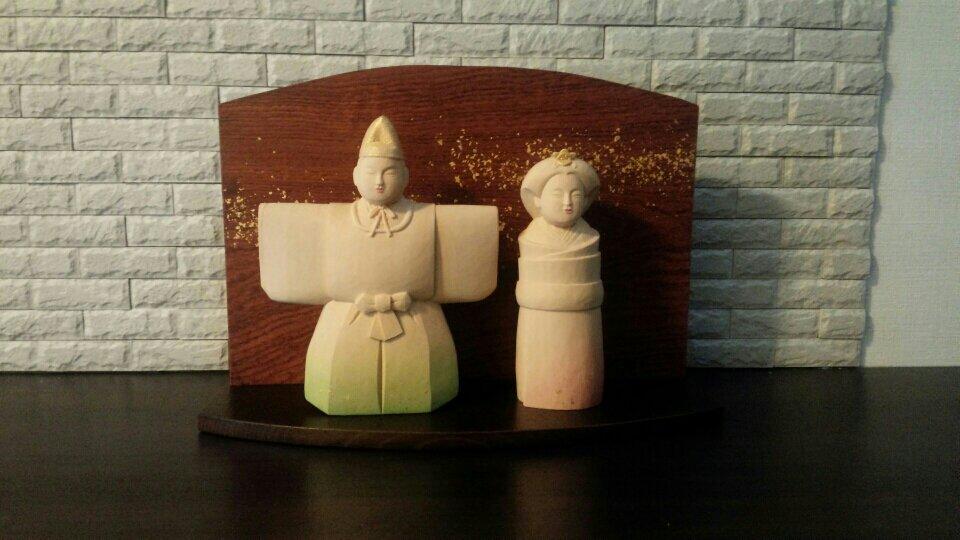 オーダーメイドの木彫立雛