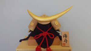 オーダーメイドの井波彫刻木彫兜