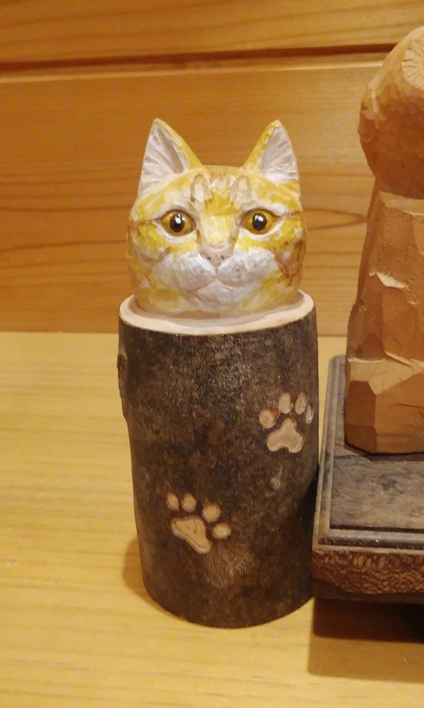 オーダーメイドのペット木彫