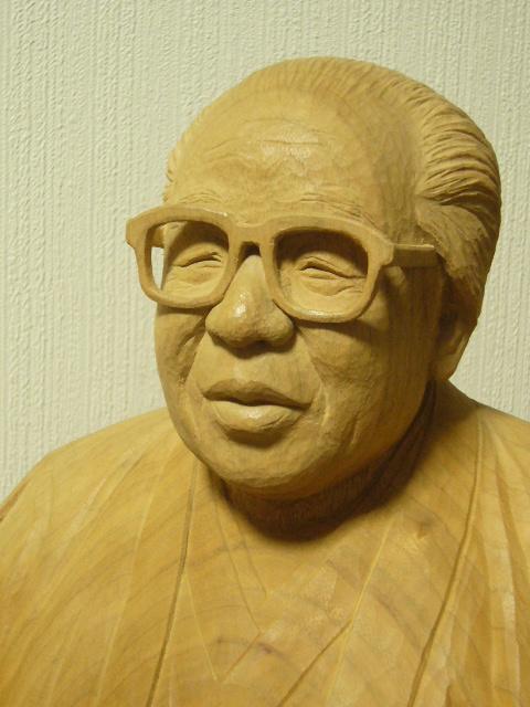オーダーメイドのそっくり木彫モデル