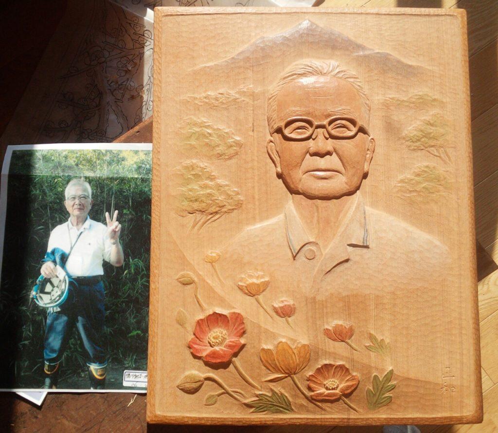 オーダーメイドのそっくり木彫レリーフ