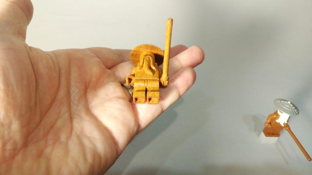 オーダーメイドの井波彫刻の木彫LEGO