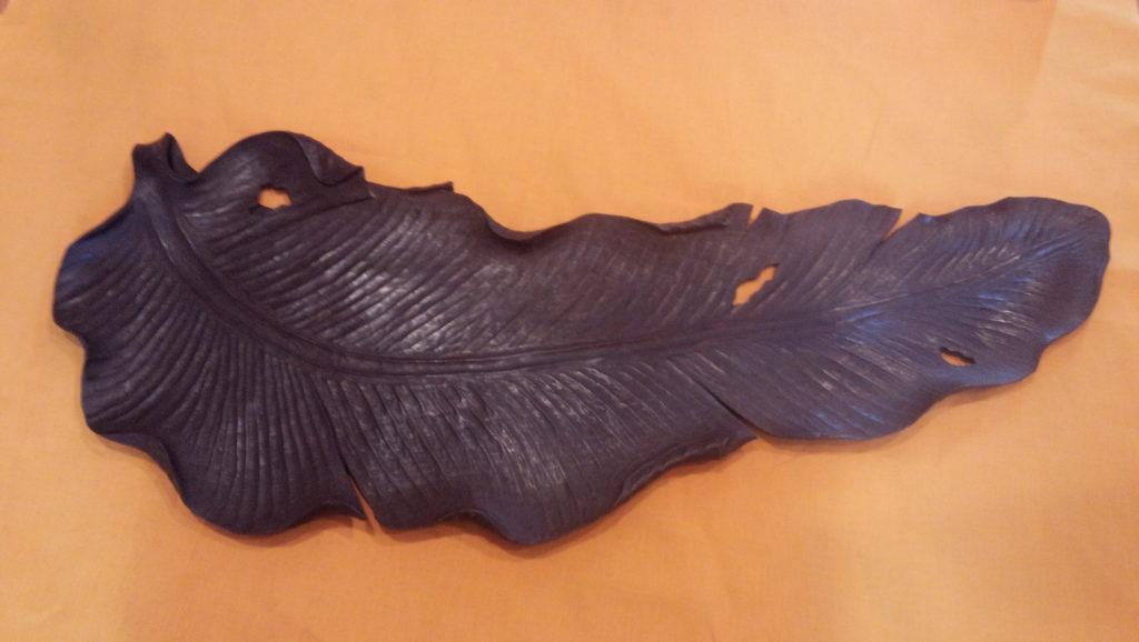 オーダーメイドの木彫 葉盆