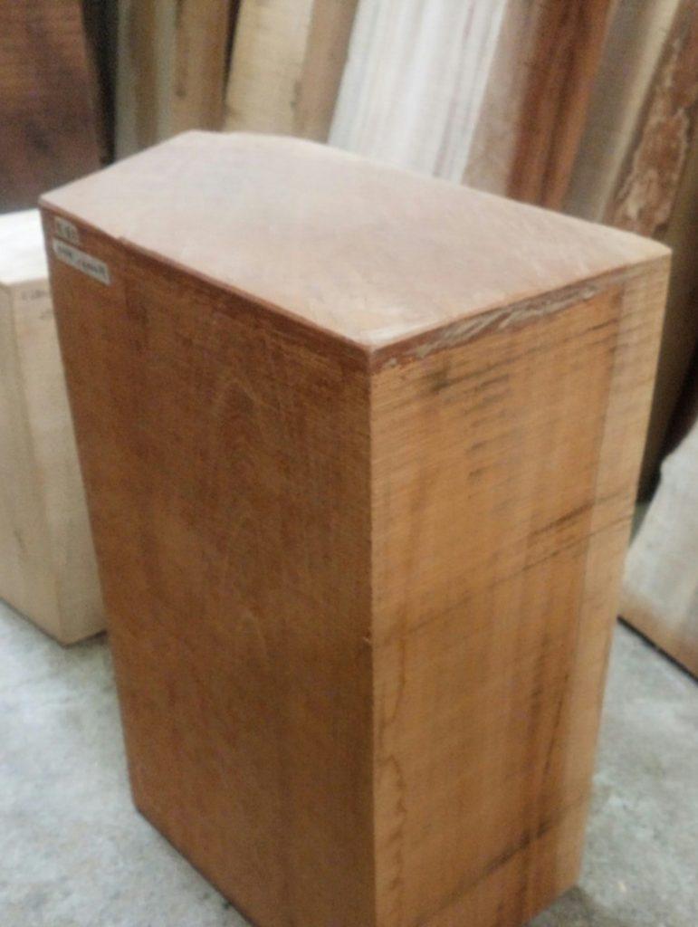 木彫のオーダーメイドで使う木彫り材用