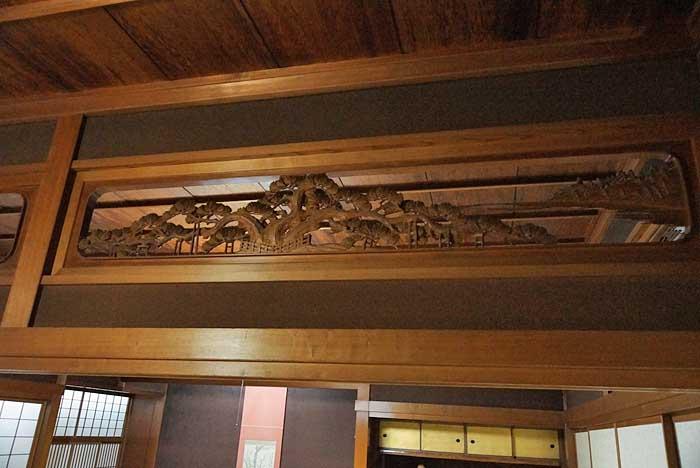 オーダーメイドの井波彫刻の木彫り欄間