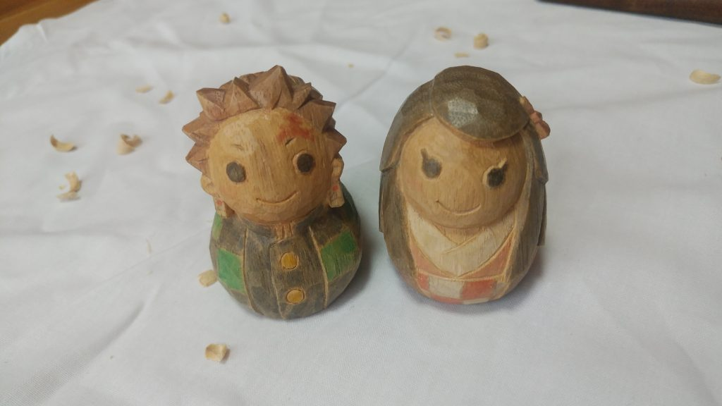オーダーメイドの井波彫刻木彫り人形炭治郎と禰豆子